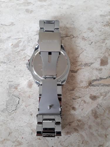 relogio curren chronometer