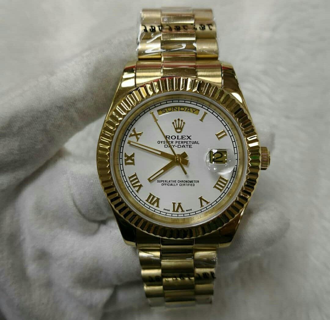 3551539e694 relógio day date presidente dourado fundo branco romanos. Carregando zoom.