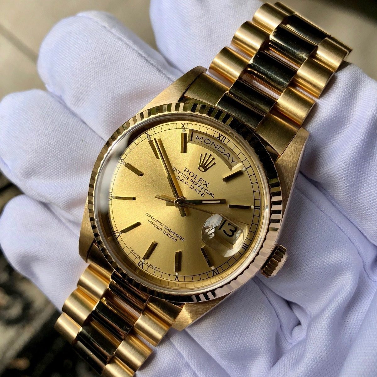 c9d175224ac relógio daydate presidente ouro + caixa e documetos. Carregando zoom.