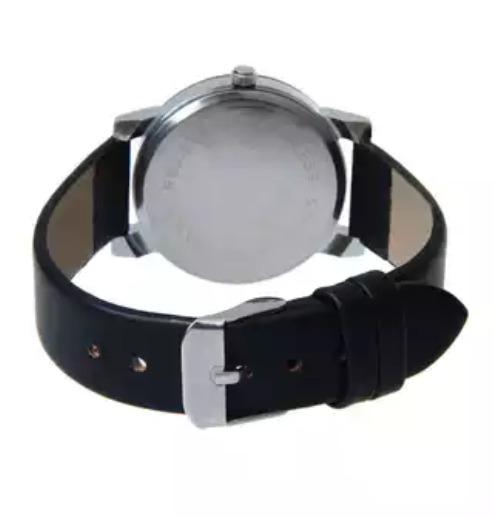 cd3ccdbdd8b Relógio De Luxo Feminino Fashion Pulseira De Couro Preto - R  34