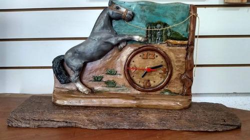 relógio de mesa rústico cavalo resina envio imediato