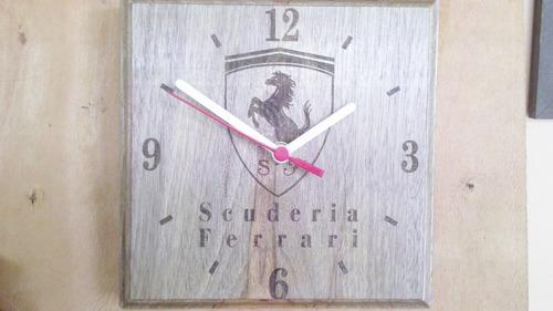 relogio de parede em madeira