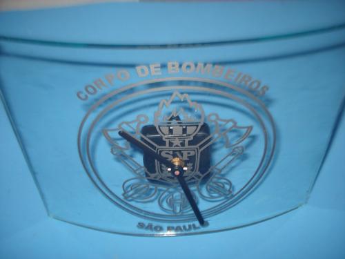relógio de parede - máquina quartz tigre - estrutura vidro