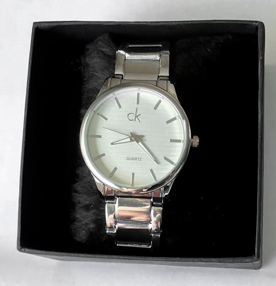 c22be53b303 relógio de pulso analógico feminino prata ck. Carregando zoom.