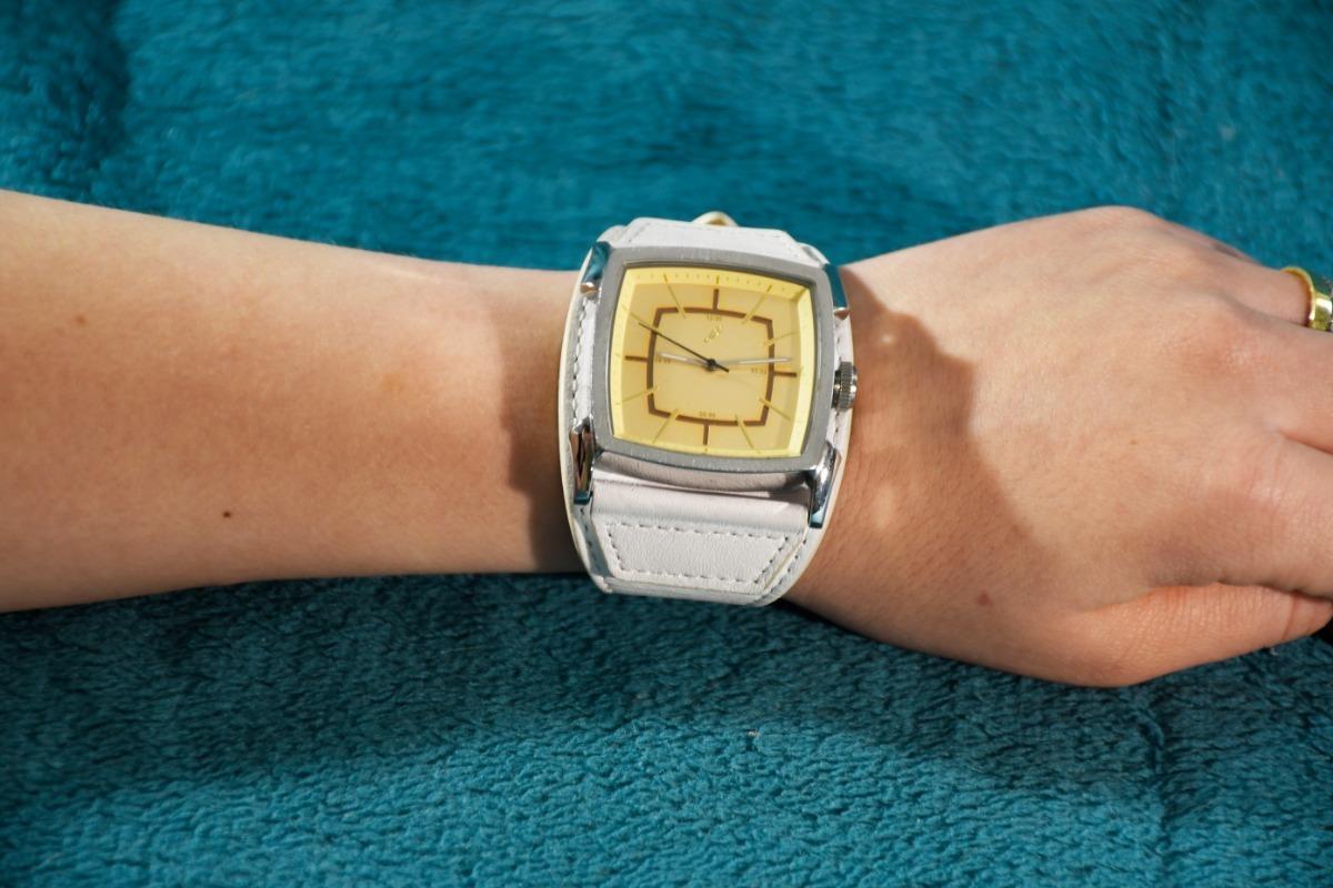 6f621fa88 Relógio De Pulso Chilli Beans (+ Brinde!) - R$ 230,00 em Mercado Livre
