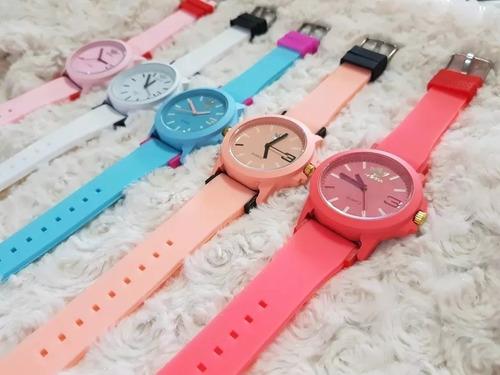 29100f0a0ea Relógio De Pulso Colorido + Brinde - R  40