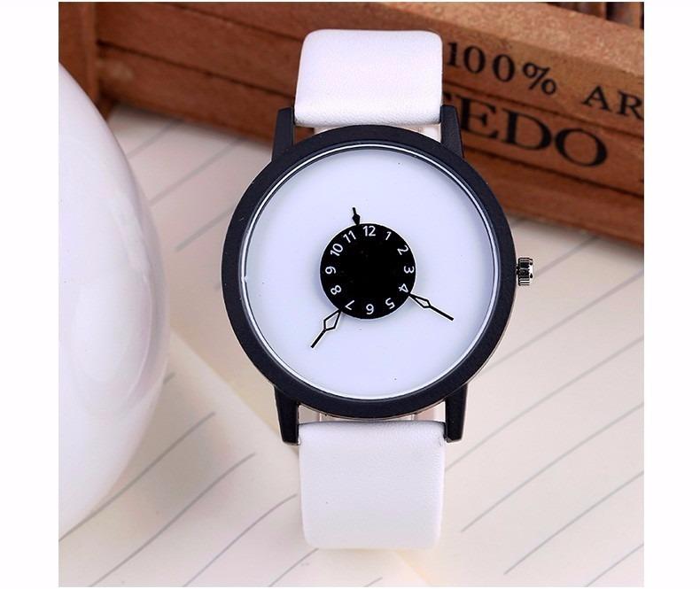3509f0fa84c Relógio De Pulso - Preto Branco Dial Simplesmente Lindo! - R  49