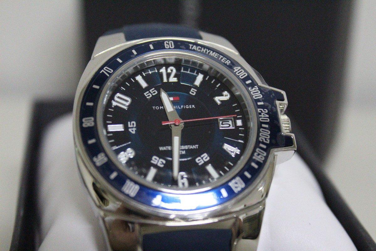 42384f75550 Relógio De Pulso Tommy Hilfiger Com Pulseira De Borracha - R  649