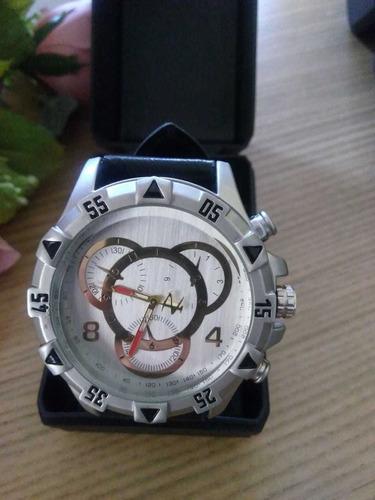 relógio de pulso,pulseira de couro.