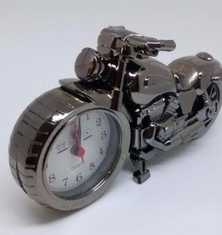 1d1cb1e0e85 Relogio Despertador De Mesa Formato De Moto - R  20