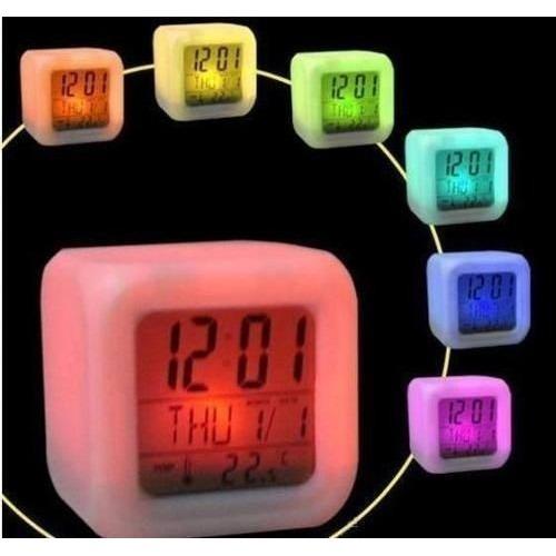 a29b8bbc04d Relógio Despertador Digital Cubo Led 7 Cores Atacado 9pç - R  120
