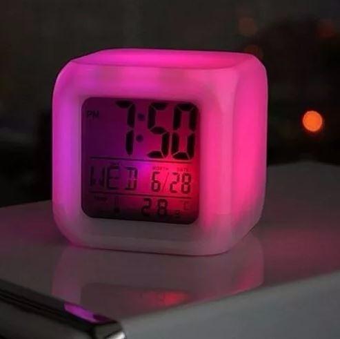 afd68731d44 Relógio Despertador Digital Cubo Led 7 Cores Colorido - R  22