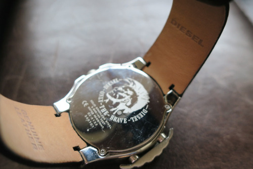 relogio diesel com pulseira de couro preta