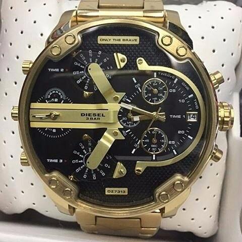 da3383a554f Relógio Diesel Dz7333 Mr. Daddy Dourado preto Masculino - R  699