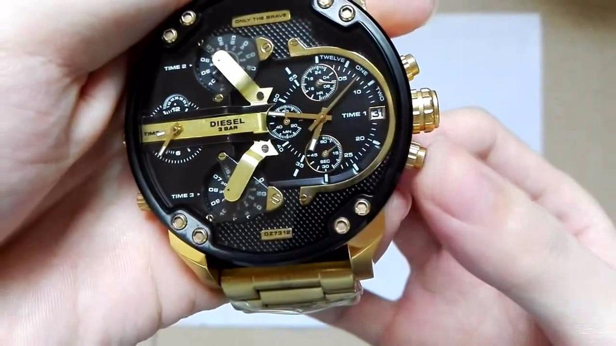0f800d6aec2 relógio diesel dz7333 mr. daddy dourado preto masculino · relógio diesel  masculino. Carregando zoom.