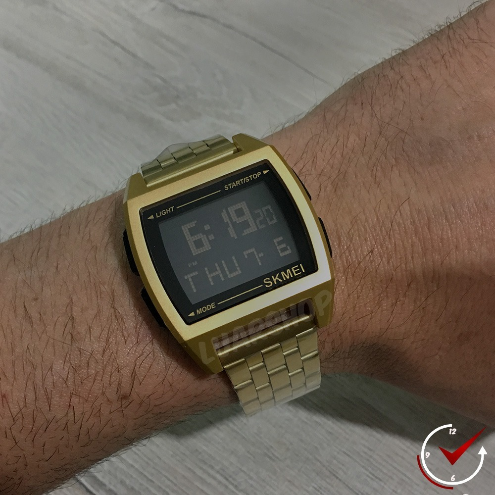 632a1bd9cbe relógio digital masculino dourado skmei 1368. Carregando zoom.