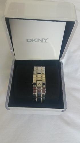 relógio dkny feminino prata