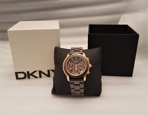 relógio dkny na cor café com dourado, pulseira em cerâmica