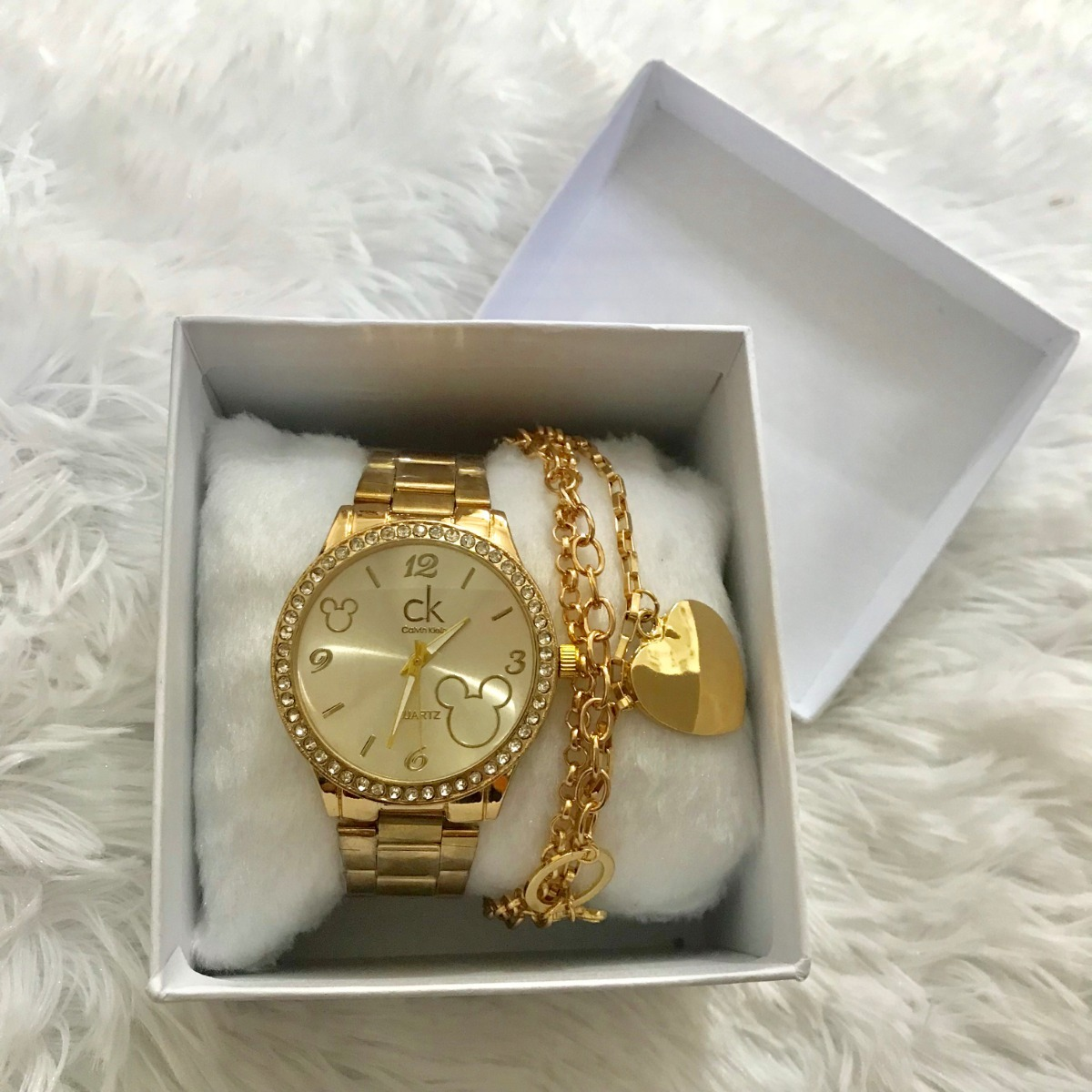 Relógio Dourado Mickey Feminino Strass Pulseira Lindo 2019 - R  59,99 em  Mercado Livre 65c5e58124
