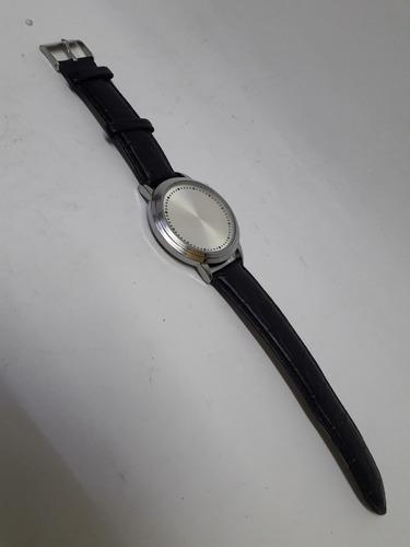 relógio eletrônico com mostrador de led pulseira em couro