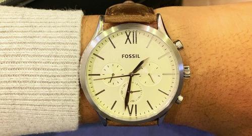 relógio em aço e pulseira de couro fossil original