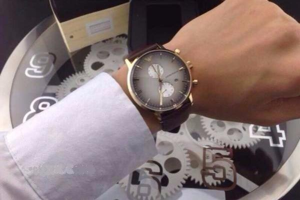 aa7a08f12a3 Relógio Empório Armani Ar1755 Na Caixa + Frete Grátis - R  524