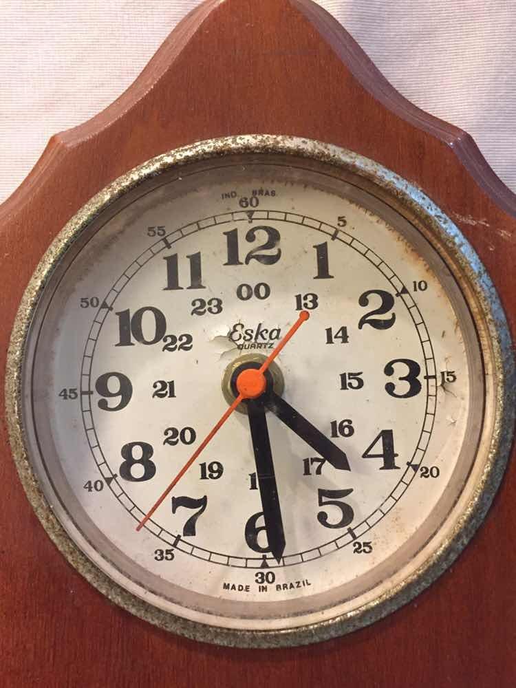 Relógio Eska Com Termômetro Antigo Parede Raro - R  79 931345c38fa
