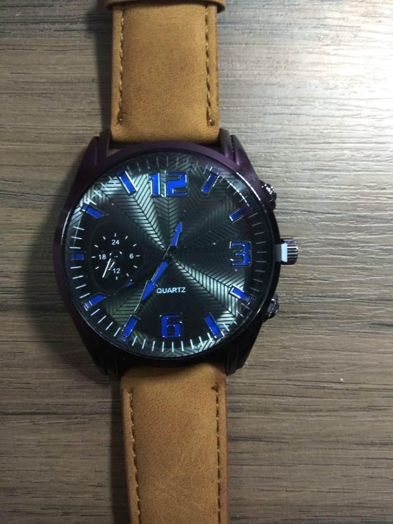 66d59dd7e0c relógio esportivo masculino pulseira couro pu escolha cor. Carregando zoom.