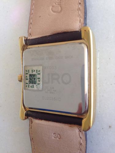 relógio euro com pulseira de couro.