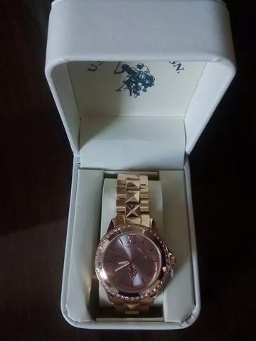 e084e2dc6bf Relógio Feminino Banhado A Ouro Us Polo Assn. - R  200