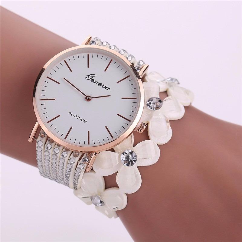 797a0c2987e relógio feminino barato strass bracelete promoção lancamento. Carregando  zoom.