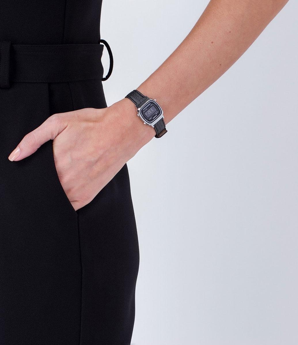 e4912f13825 Relógio Feminino Casio La670wl 1bd Pulseira Em Jeans - Loja - R  199 ...