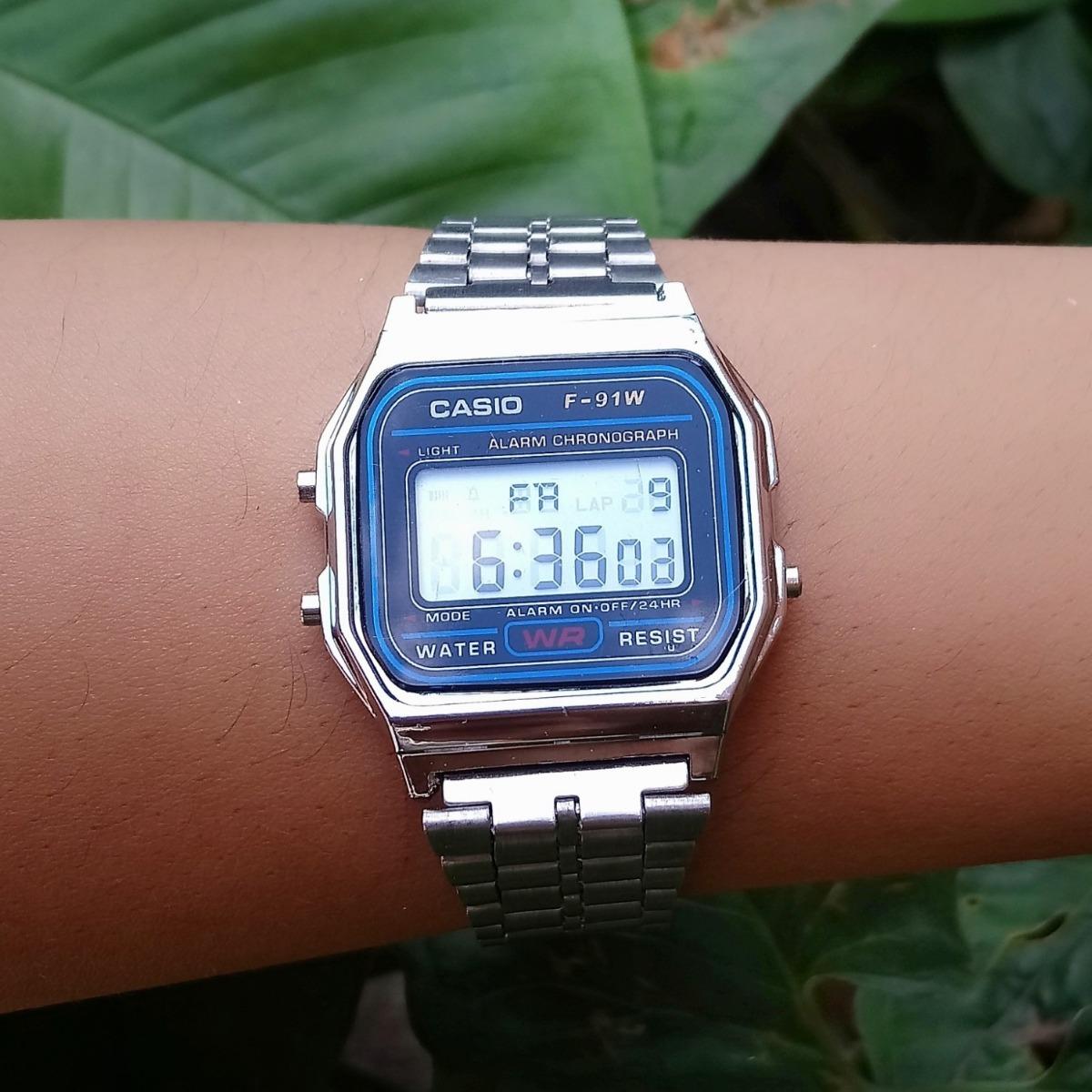 a0c5d77cf99 Relógio Feminino Casio Vintage Prateado Digital - R  120