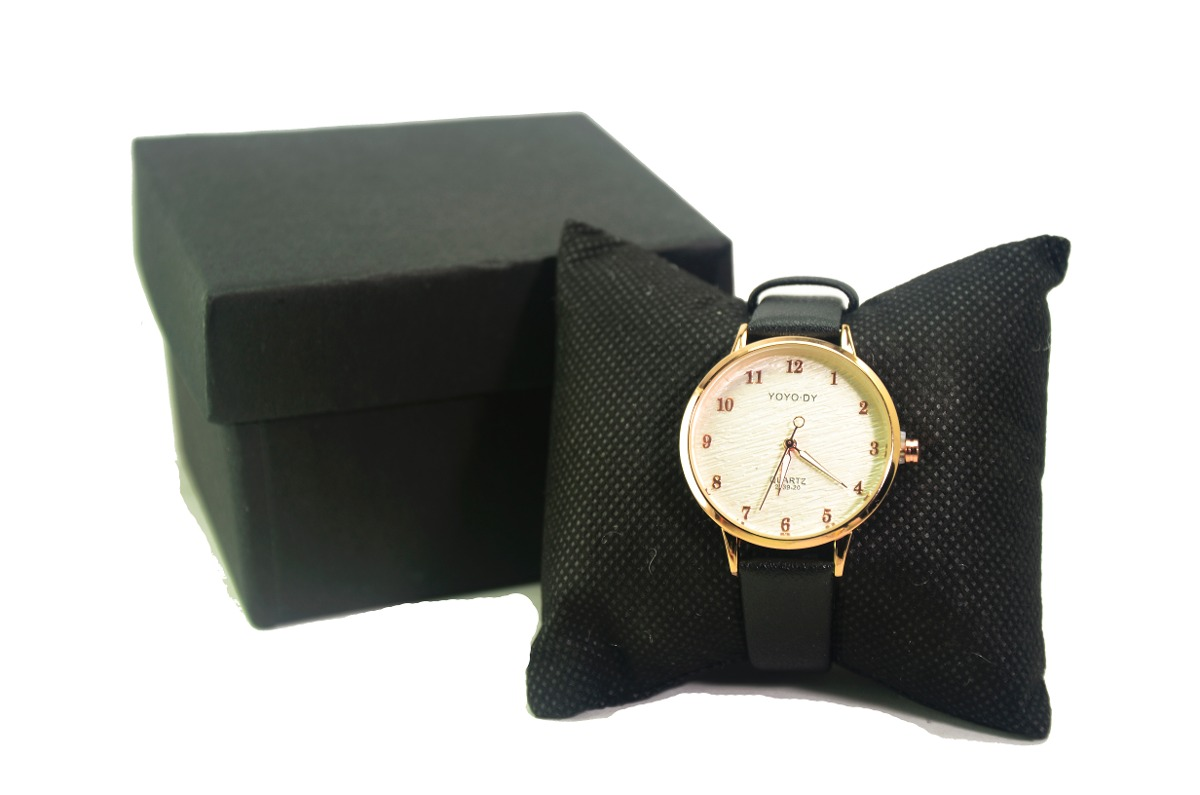 9936b52291d relógio feminino clássico dourada lindo barato yoyo-dy. Carregando zoom.