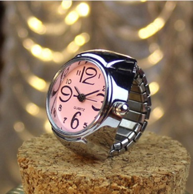 7d6501dcb87 Relógio Feminino De Dedo Anel Várias Cores Quartz - R  29