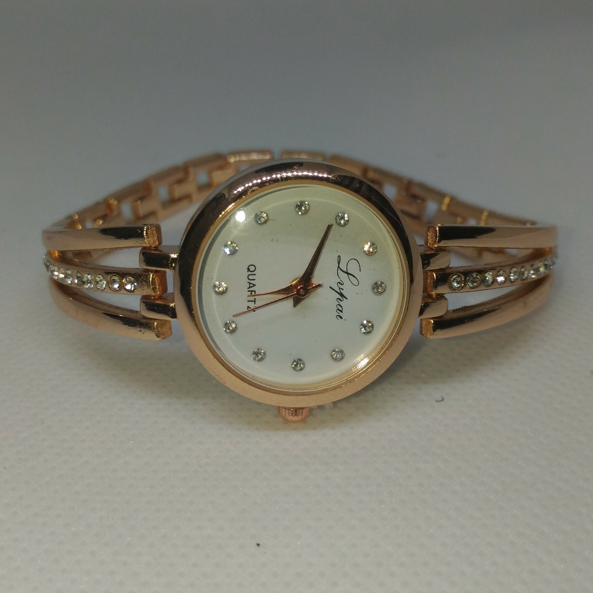 00fcdd82695 relogio feminino de pulso pequeno barato dourado luxo. Carregando zoom.