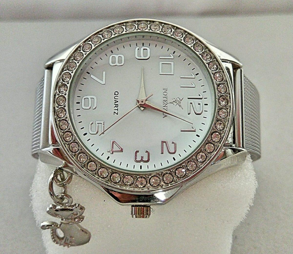 5d9e6f7caa0 relógio feminino de pulso pulseira prateado delicado barato. Carregando  zoom.