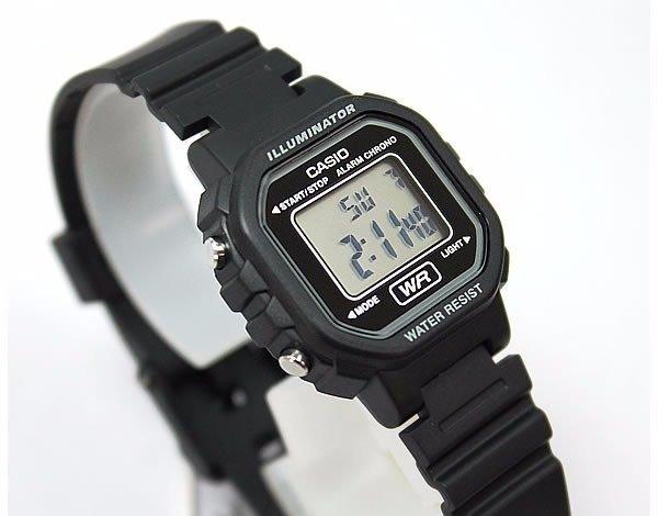 bbef537081f Relógio Feminino Digital Casio La-20wh-1adf - Preto - R  204