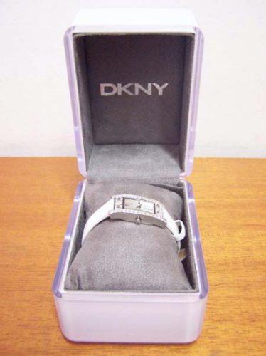 relogio feminino dkny ny3800 c/ cristais lindo p/ debutante
