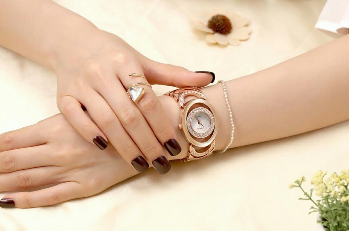 a7a29822f3c relógio feminino dourado prata original luxo estojo promoção. Carregando  zoom.
