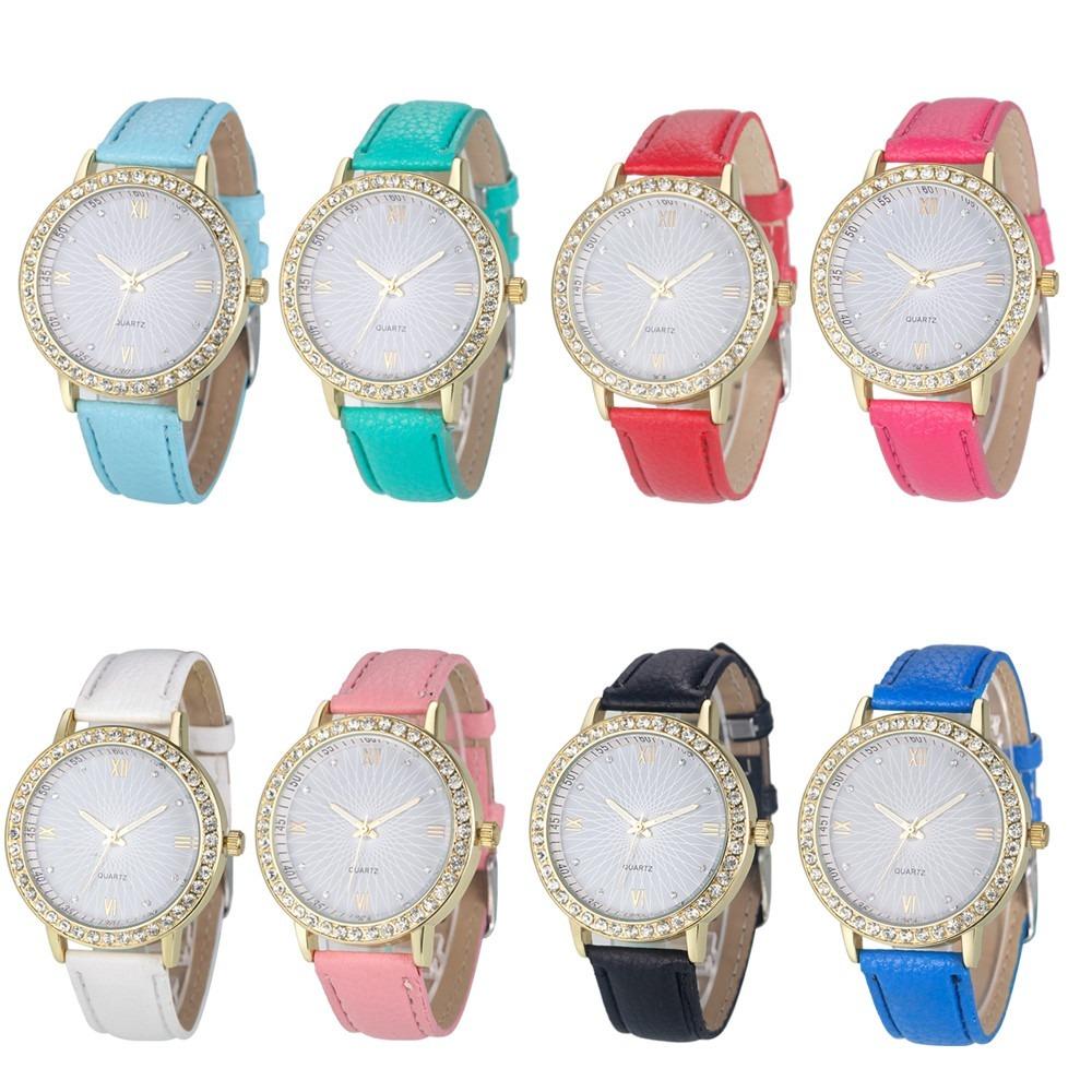 6a15a864f81 Relógio Feminino Dourado Strass Couro Preto Branco Rosa - R  30
