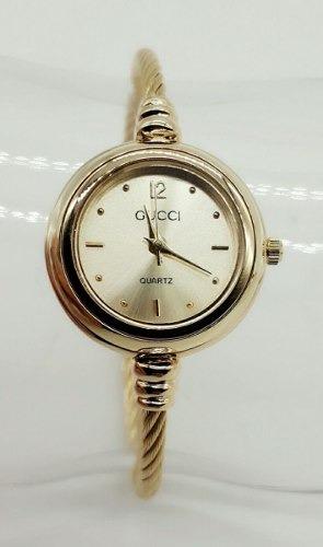 9348f5bd3b3 Relógio Feminino Esporte Fino + Pulseira Estilo Pandora - R  53