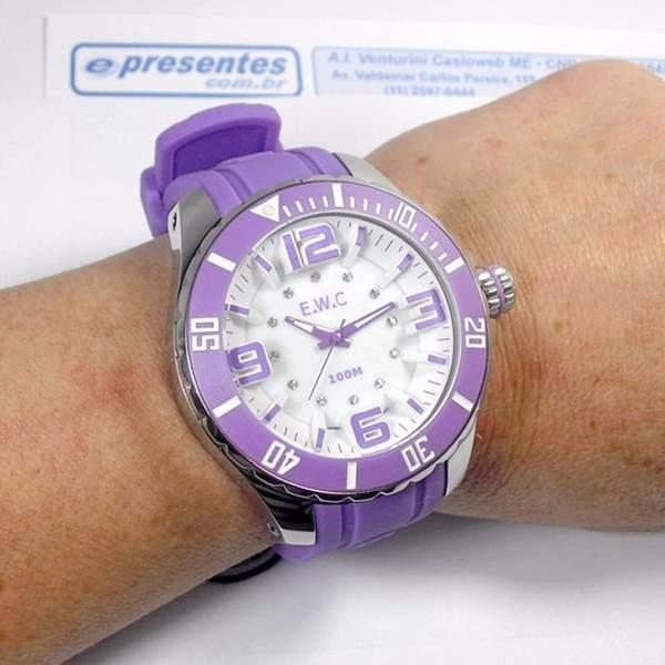 8c9f1a65fef Relógio Feminino Extra Grande E.w.c Lilas 48mm Wr100m - R  539