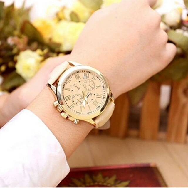 20709f3000d Relógio Feminino Geneva Pulseira Couro Menor Preço - R  47