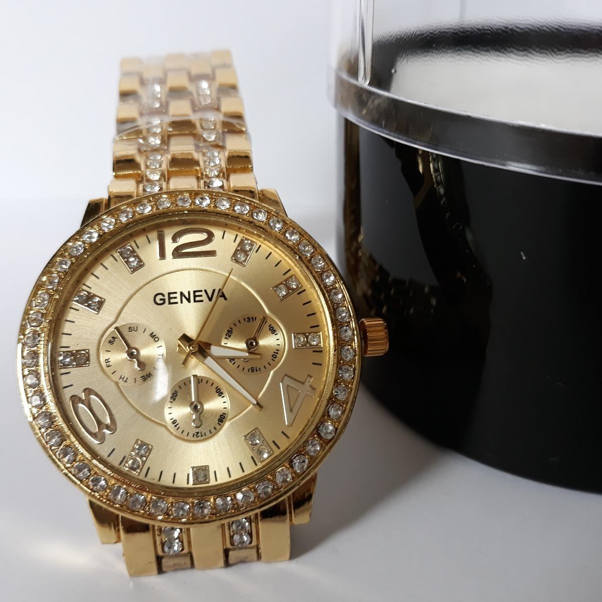 6bb16d0a9e4 relógio feminino geneva pulseira dourada com strass barato. Carregando zoom.