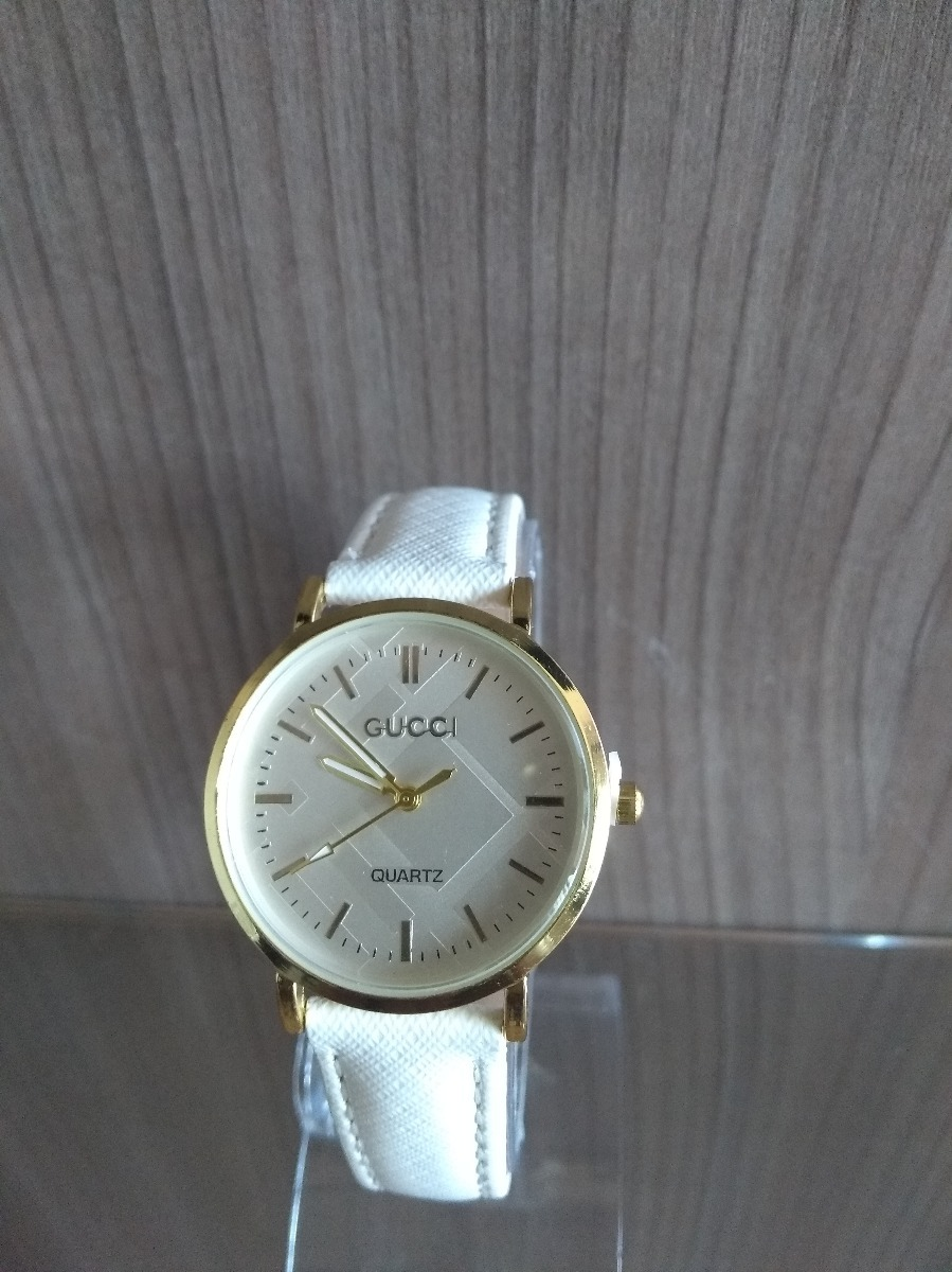68f1f5d27ba relógio feminino gucci couro branco clássico. Carregando zoom.