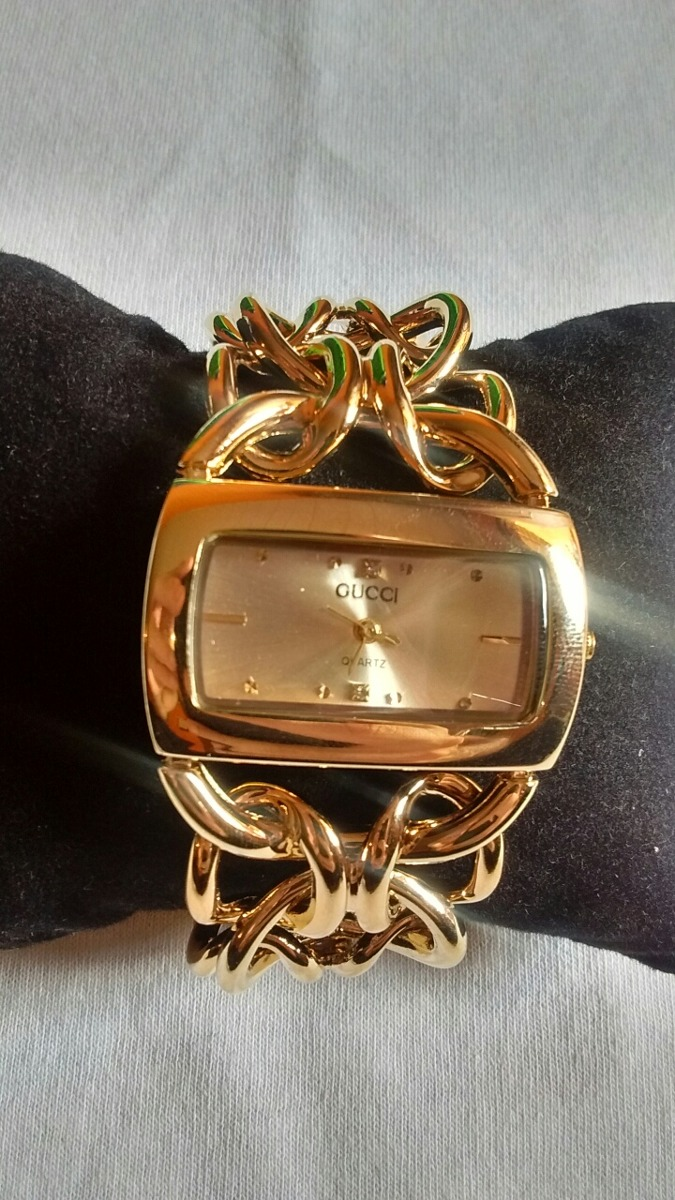 46dd70f6a84 relógio feminino gucci dourado corrente. Carregando zoom.