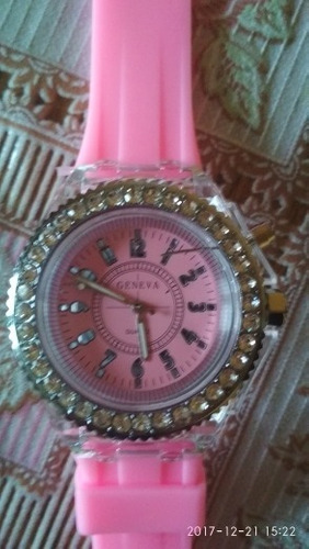 relógio feminino luzes led  promoção  barato original estojo