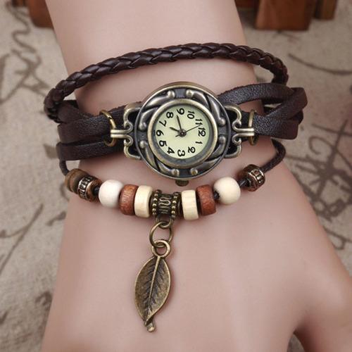 relogio feminino pulseira couro marrom pingente sorte aa1103