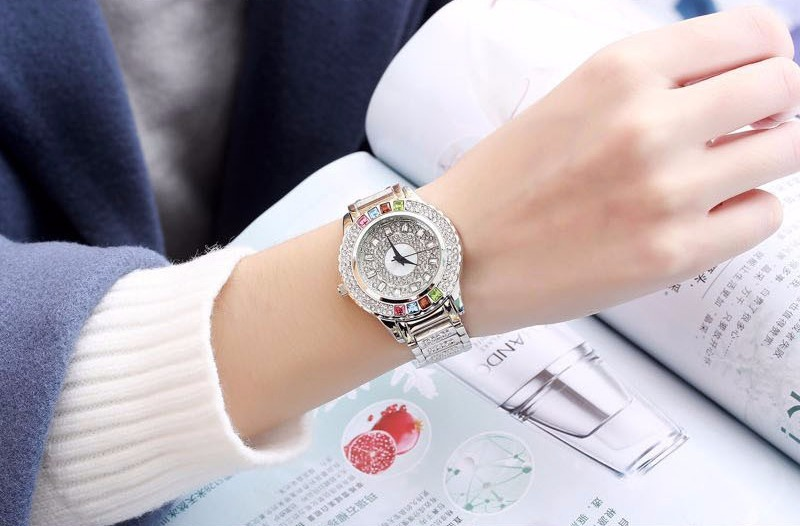 14356ad342c relógio feminino pulso comprar quartz prata cristais barato. Carregando zoom .